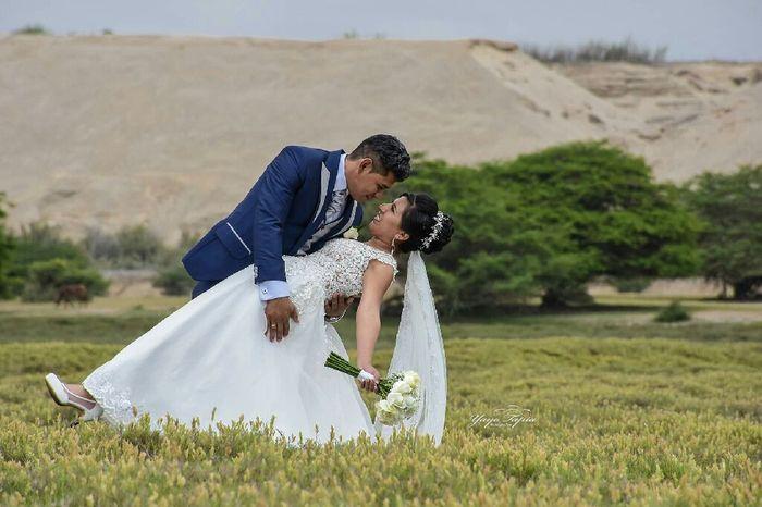 Feliz super..  5 días de casada 3