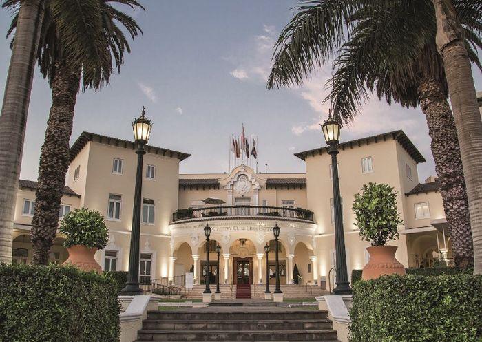 ¿alguna de ustedes tuvo la recepción en el Country Club Hotel, Lima Perú? 1