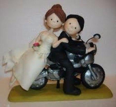 muñecos de boda en motocicleta