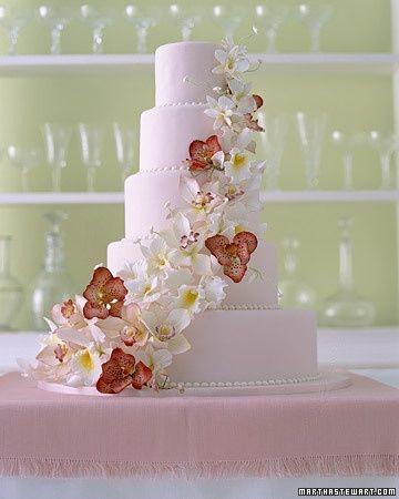 Torta De Boda Con Flores Naturales O De Azucar