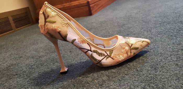 Estos zapatos de novia ¿LIKE 👍 o LOVE 💗? 2