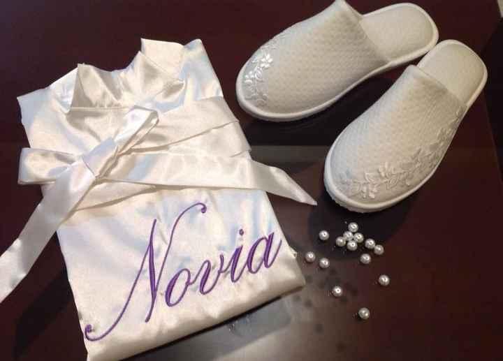 Bata Novia y pantuflas