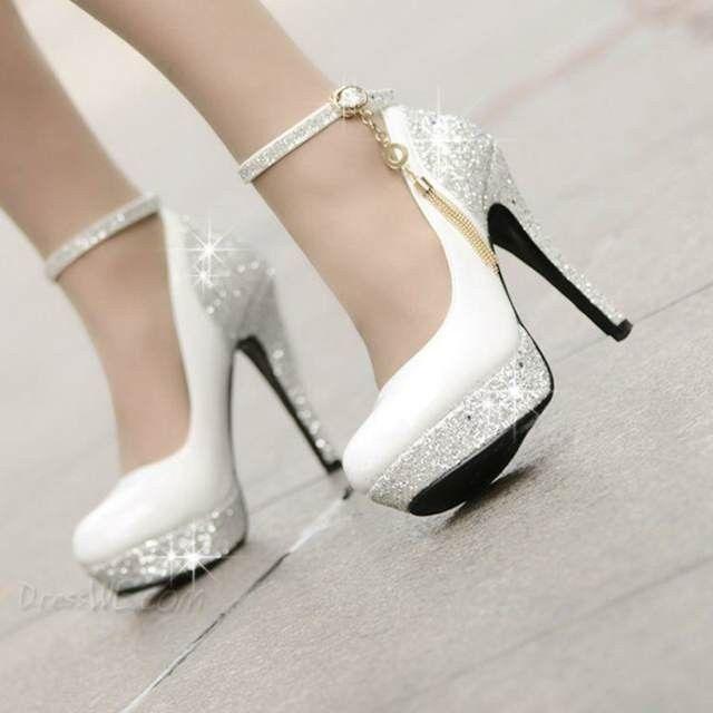 los zapatos de novia son un elemento de increíble importancia aunque
