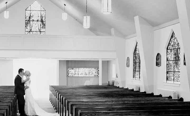 Los dos solos en la iglesia cuando todos ya se han ido...