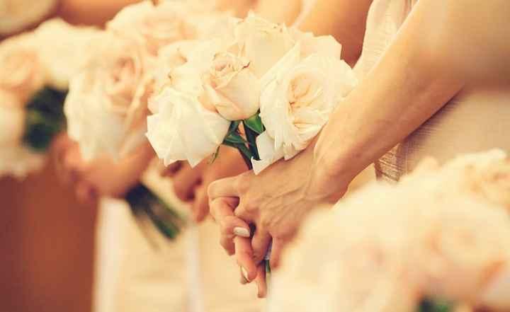 4. Detalle de los ramos de flores de las damas de honor