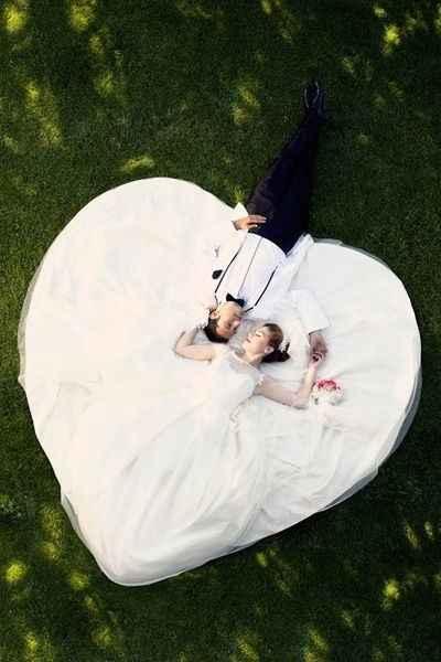 08. Un vestido hecho corazón