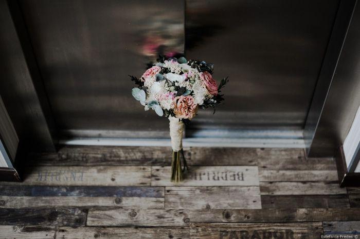 2 matrimonios, 2 bouquets. ¿Cuál prefieres? 1