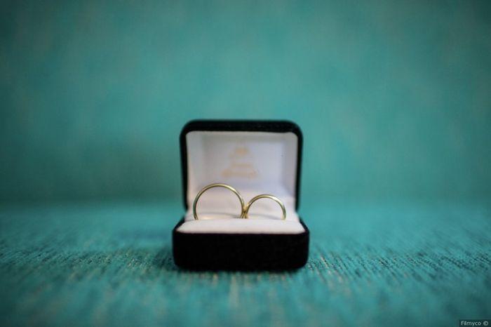 2 matrimonios, 2 porta aros. ¿Cuál prefieres? 2