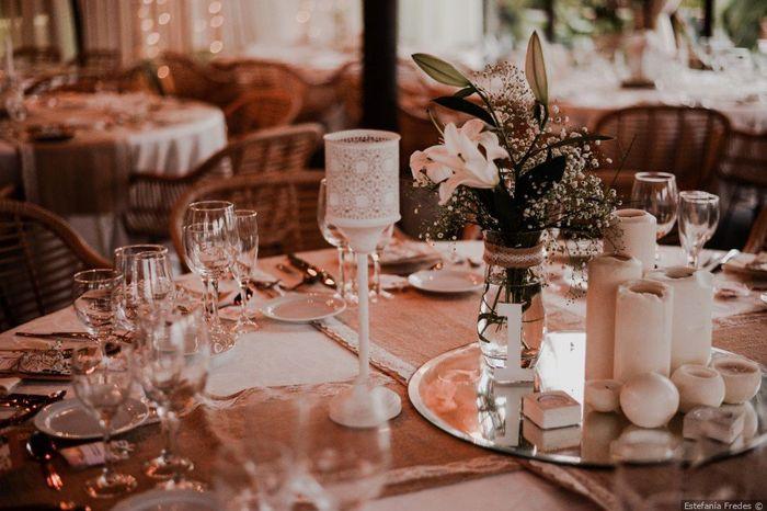 2 matrimonios, 2 centros de mesa. ¿Cuál prefieres? 1