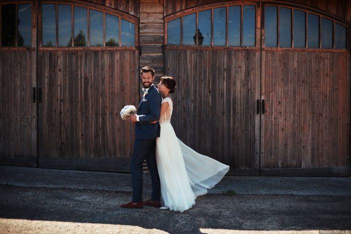 2 matrimonios, 2 trajes de novio. ¿Cuál prefieres? 1
