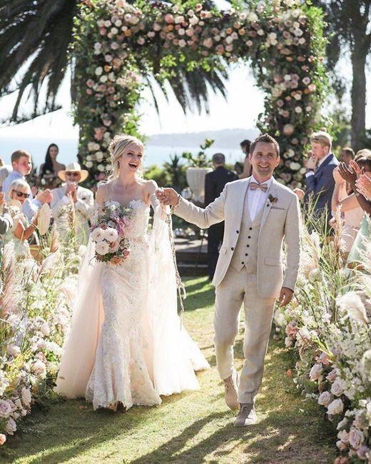 🎸 ¡La boda rockera del año! Se casa el vocalista de Muse 😍 6