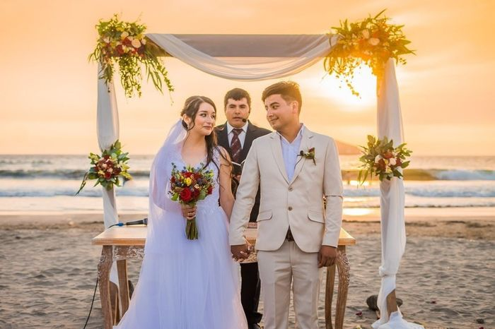 Especial bodas en la playa: Altares a orillas del mar 2