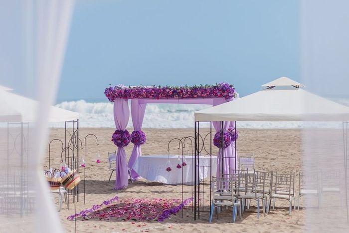 Especial bodas en la playa: Altares a orillas del mar 6