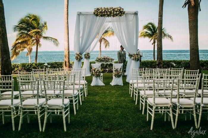 Especial bodas en la playa: Altares a orillas del mar 8