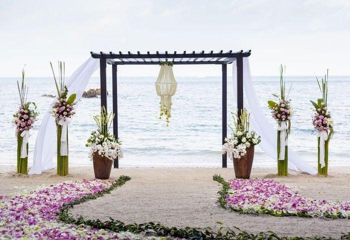Especial bodas en la playa: Altares a orillas del mar 11