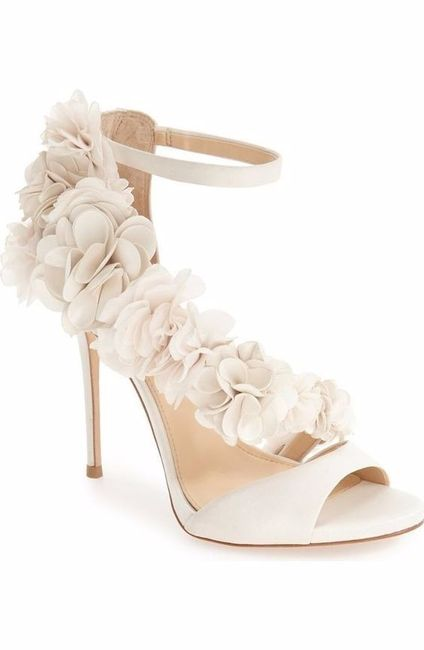 Look novia 100% romántico - Elige unos zapatos 3