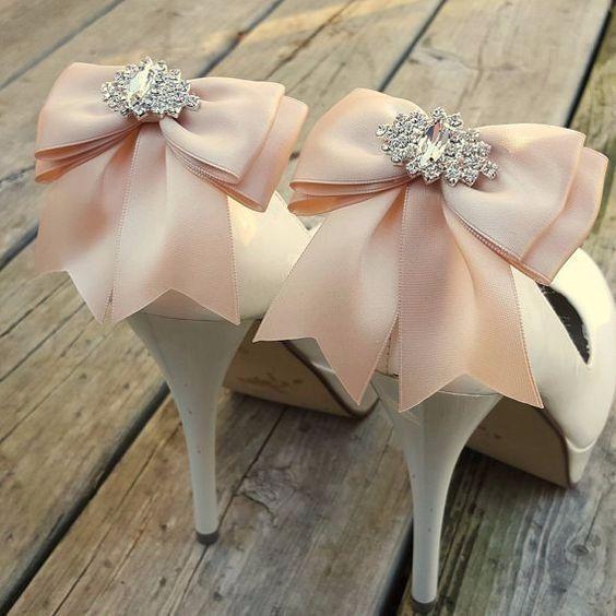 Look novia 100% romántico - Elige unos zapatos 2