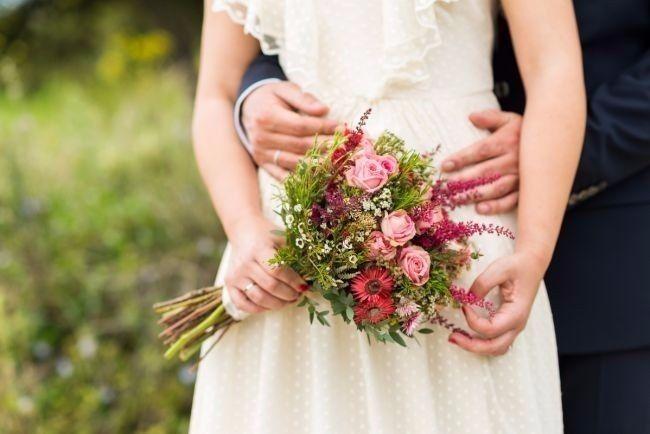 Look novia 100% romántico - Elige un bouquet 6