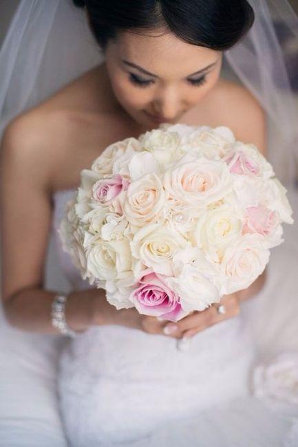 Look novia 100% romántico - Elige un bouquet 1