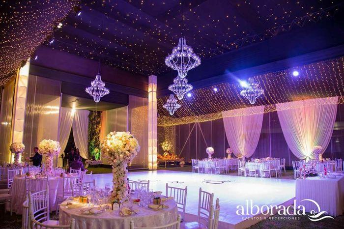 Ustedes optaron por la ayuda de una wedding planner para su boda? 1