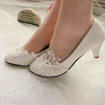 Escoger el color del zapato: blanco vs color - 2