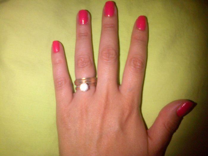 dcfbd994ed26 Cómo usar el anillo de compromiso el día de tu boda