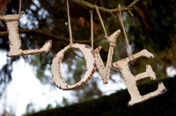 Letras colgadas for Jardin al aire libre de madera deco