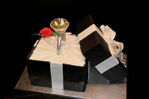 torta de pedida de mano, torta de anillo de compromiso