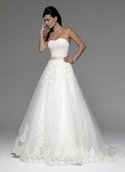 Vestidos de novia para mujeres de hombros anchos