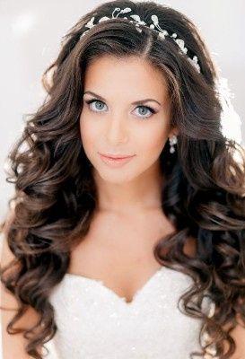 5. Peinado de novia para cabello oscuro