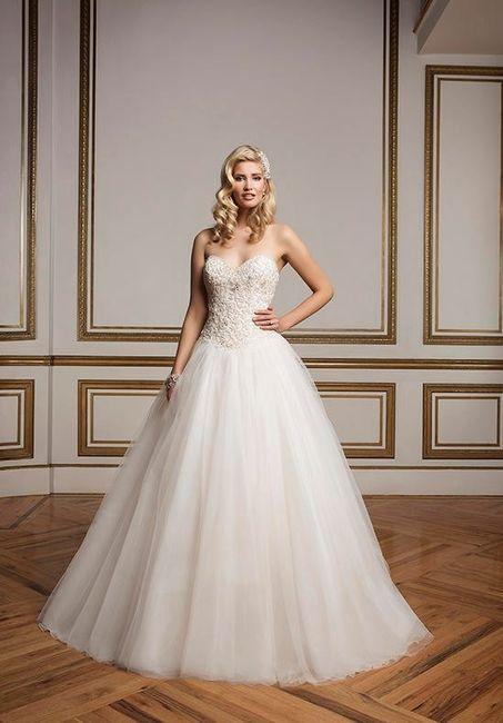vestidos de novia: corte princesa y escote corazón