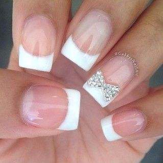 3. Manicure francesa novia personalizada