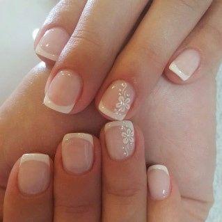 4. Manicure francesa novia personalizada