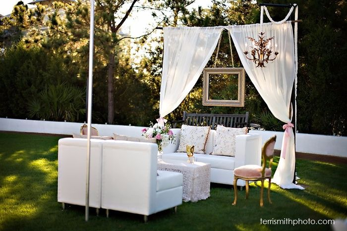 sala lounge de matrimonio al aire libre. Black Bedroom Furniture Sets. Home Design Ideas