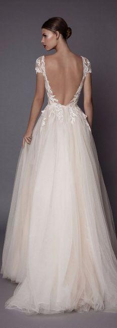 5 espaldas con escote en v para tu vestido de novia
