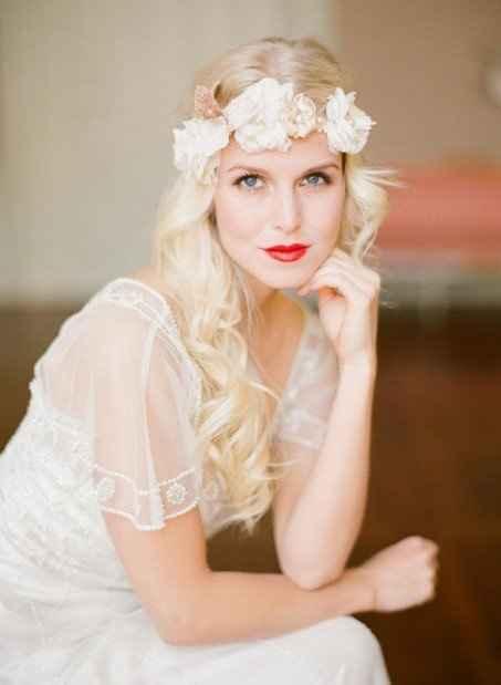 novia con labio rojos