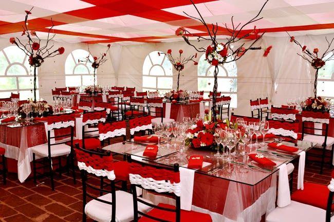 decoración de mesas de matrimonio rojo y blanco