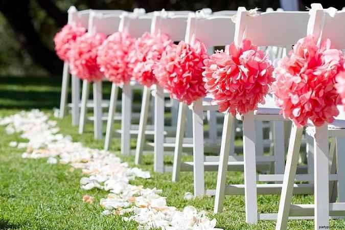 decoración con pompones de seda