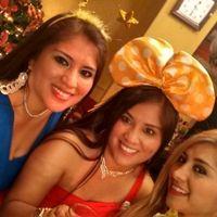 al lado de mis bellas hermanas