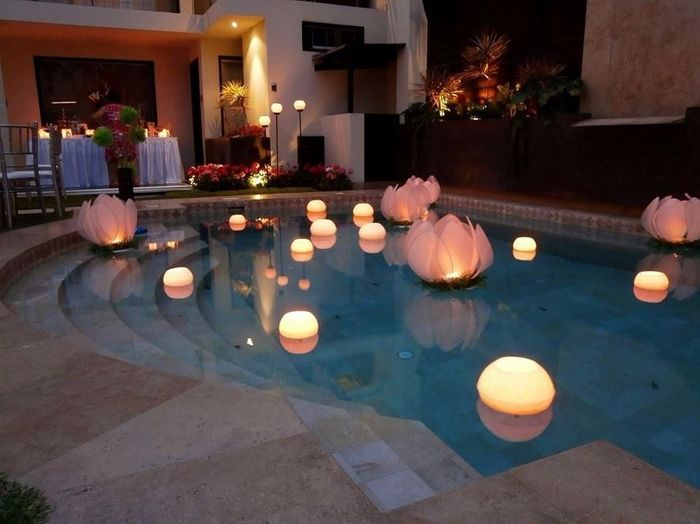 Ideas para decorar la piscina de la recepcin