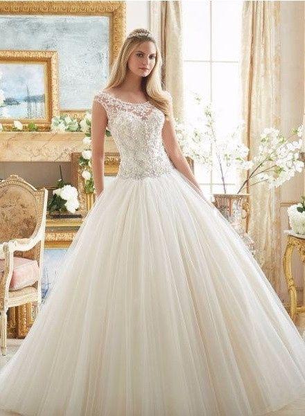 Vestidos de novia modernos con pedreria