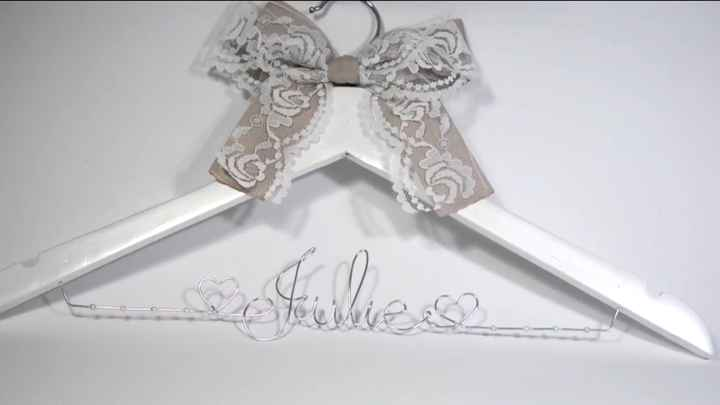Percha personalizada para boda - 1