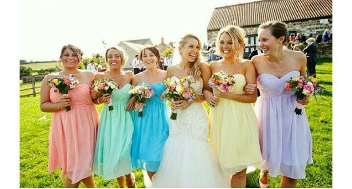 ¿De que color será el vestido de damas de honor? 1