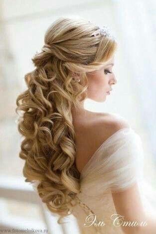 Peinados de novia semirecogidos pelo largo
