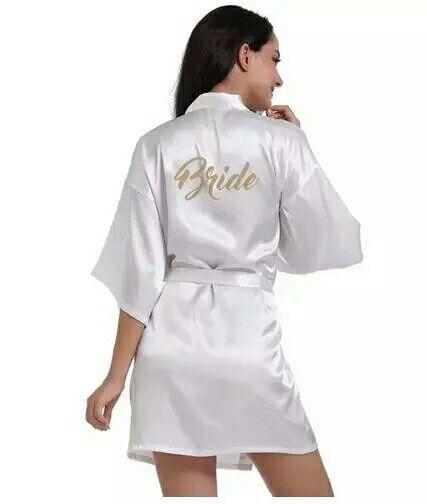 Bata o kimono para maquillaje y peinado - 1