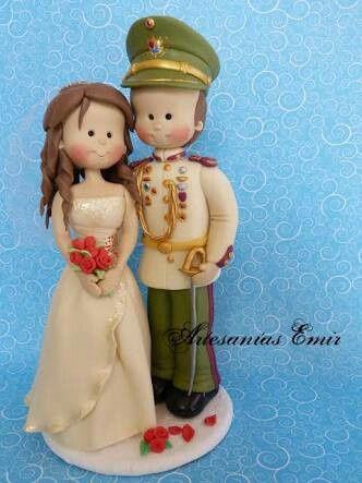 De qué material van a ser tus muñecos de torta de matrimonio - 1