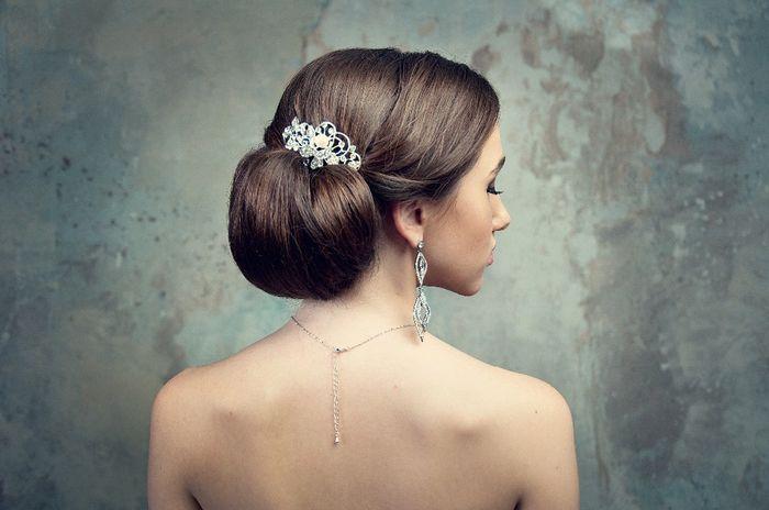 ¡Moños bajos para tu peinado de novia! 7