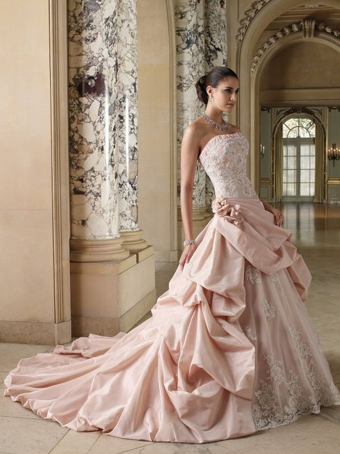 Vestidos de novia rosados cortos