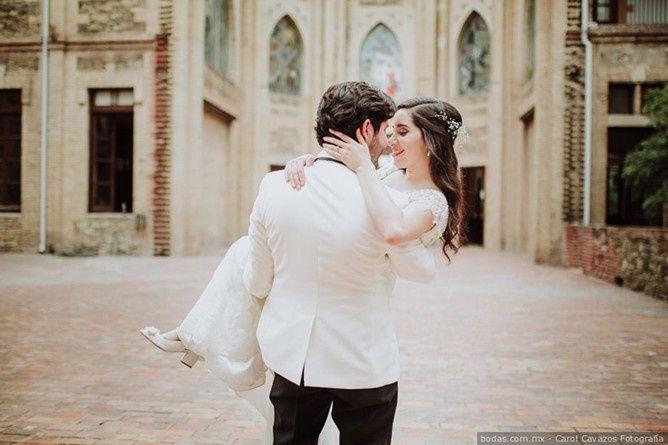 Alzar a la novia en brazos: ¿Sí o No? 1