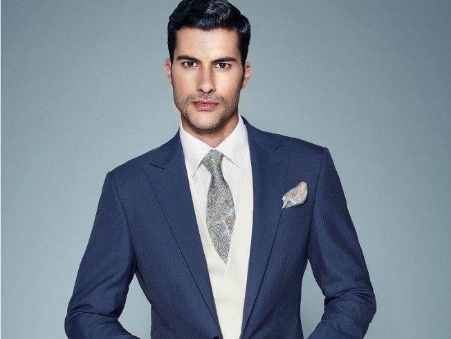 Se abrochan todos los botones del traje del novio ¿Acierto o Error? 1